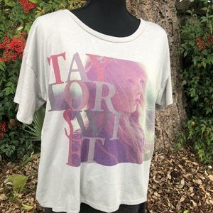 Women's Taylor Swift T-shirt NWT size M